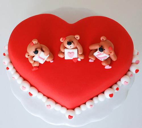 valentine teddy bear cake