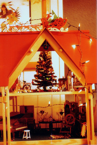 My HearthSong Dollhouse, Christmas 1990 (2)