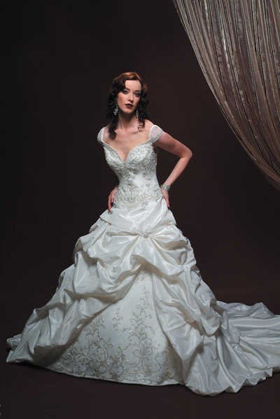 Unique wedding gown designers work of an intelligent