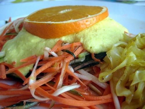 Ericas nudlar med currysås (2 port). Foto: H C Barregren på www.bums.nu. Råkost, raw food, levande föda