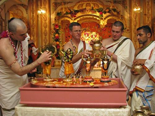ISKCON San Diego Gaura Purnima Festival 2010  por ISKCON desire  tree.