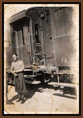 fotografia II guerra mondiale (MARCO_QUARANTOTTI) Tags: italy oldphoto stazione trieste ferrovia militare vagone vecchiafotografia erafascista iiguerramondiale iiwar poliziamilitare frontebalcani realicarabinieri