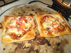 15 Minute Puff Pastry Pizza 88/365 (ozeraser) Tags: food puff pizza pastry twitter365