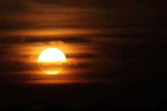 [フリー画像] [自然風景] [空の風景] [雲の風景] [夕日/夕焼け/夕暮れ] [暗雲の風景]      [フリー素材]