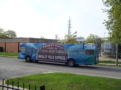 Nice lookin bus! (Robby Gragg) Tags: chicago bus baseball pace cubs express wgn berwyn rta lavergne