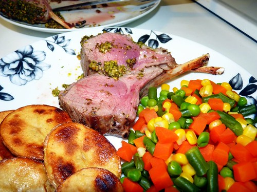 Pistachio-crusted lamb rack