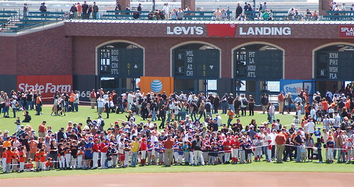 SF Giants Fan Photo Day: Waiting for the Players