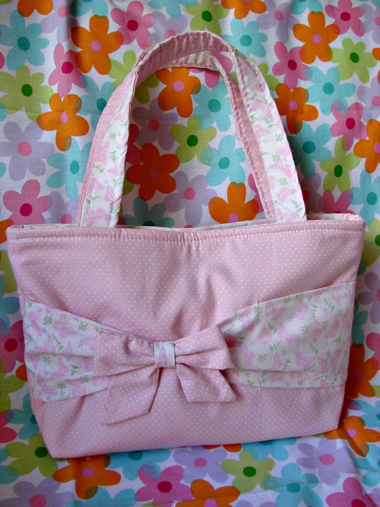 d2eb95c41 Bolsa infantil (Amoreira Acessórios Artesanais) Tags: floral handicraft rosa  craft infantil borboleta bolsa