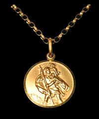 St Christopher (MM Photo's) Tags: gold jewellery chain lowkey pendant stchristopher mattmalloy mattmalloyphotography