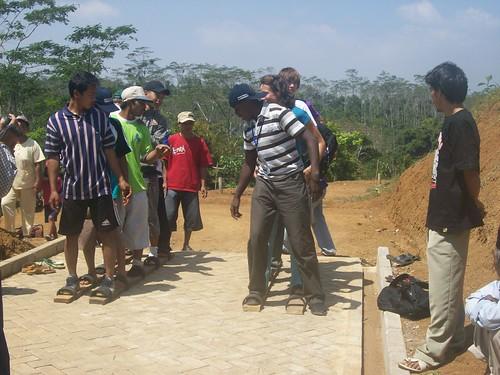 Lomba teklek beregu dg penduduk desa