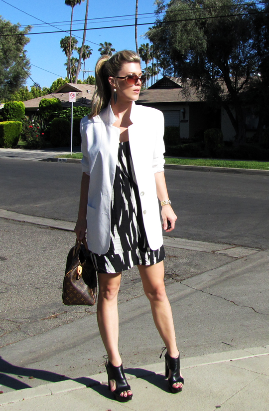 black and white tribal dress+white blazer-7