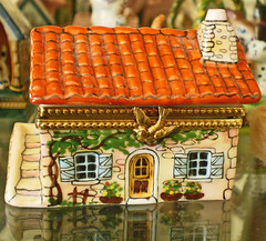 The Little Enchanted Limoges Cottage (Enchanticals ~I'm Coming Back) Tags: red house france bird french gold miniature cozy box cottage handpainted clasp collectible etsy limitededition porcelain detailed numbered limoges madeinfrance tileroof redroof peintmain artoria birdclasp rubyphotographer enchanticals enchanticalsetsy artorialimoges
