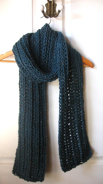 Two Meter Long Ribbed Scarf by Mel Paton (Free)