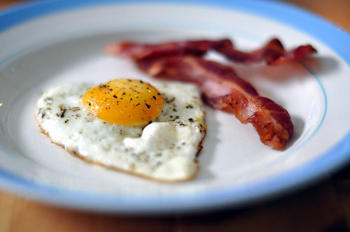 Spejlæg og bacon