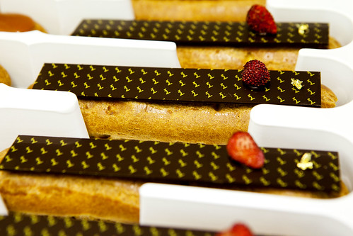 The new eclair flavor: Bourbon vanilla with wild strawberries; all ready to be shipped