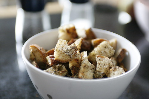 Homemade Garlic & Thyme Croutons