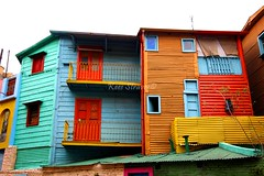 The colors of La Boca - Argentina (kees straver (will be back online soon friends)) Tags: wood blue windows red building green southamerica argentina colors lines yellow buenosaires laboca mywinners canoneos5dmarkii keesstraver