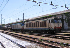 E633.226 + E652.049 (Maurizio Zanella) Tags: italia trains cargo genova railways coils fs trenitalia treni ferrovie sestriponente e652049 e633226