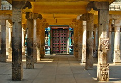 Pillars V ( Entrance to the Heaven ) (Siva_K) Tags: door india stone 35mm temple gate heaven earlymorning entrance f18 pillars hindu sculptures tamil tamilnadu southindia srirangam primelens ranganathaswamy vaikuntam nammalvar sorgavaasal vaikuntaekadesi