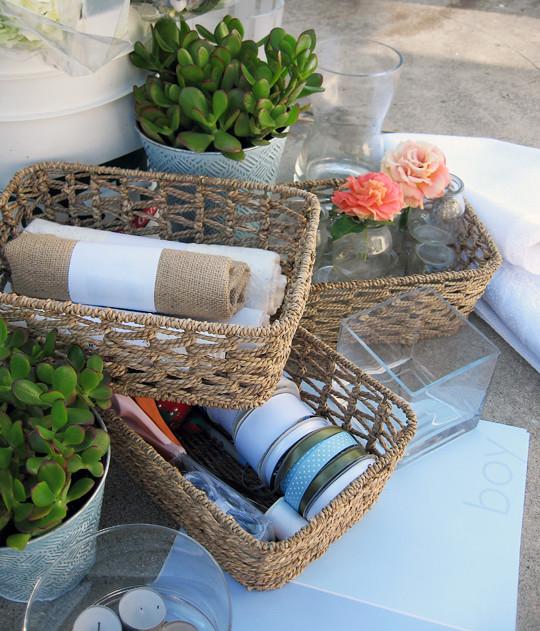 flowers+vases+table settings+baby shower decor ideas -1
