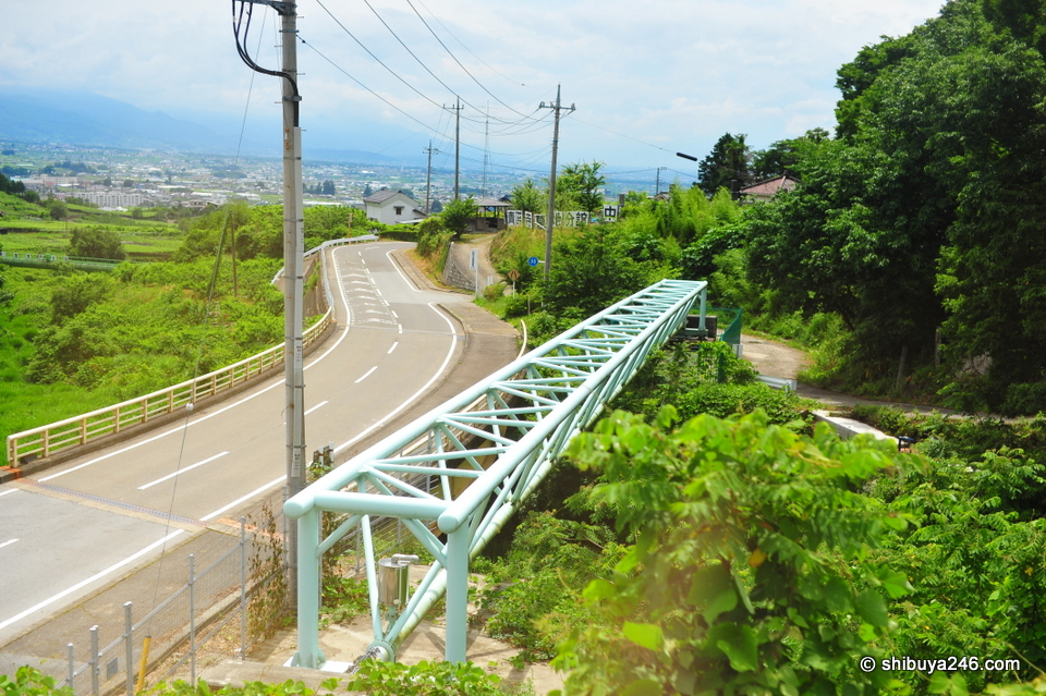 The winding road to Kofu.