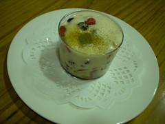 Sabayon con frutas frescas con aroma de canela