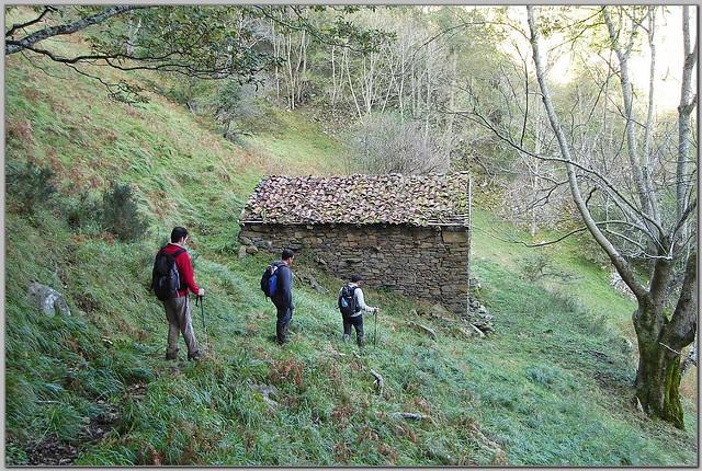 187.- Llegando junto a una de las cabañas del Valle Corina.