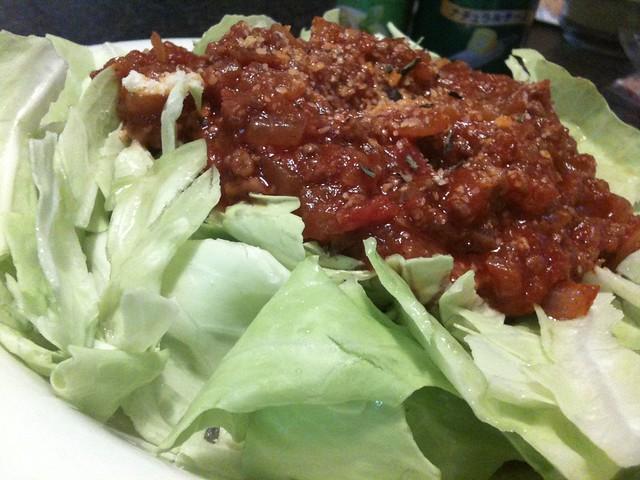 挽肉のチリトマト炒めをちぎりキャベツにオン! #jisui