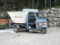 APE PIAGGIO (Il diabolico coupe) Tags: italy trash garbage italia ape piaggio garbagetruck motocarro immondizia