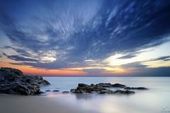 Matin calme {EXPLORED - FP} ( David.Keochkerian ) Tags: longexposure sun mist david france color colour detail water sunshine misty sunrise soleil photo nikon eau shoot shot image bretagne explore milky morbihan silky hoya nd400 belleileenmer poselongue keoch keochkerian
