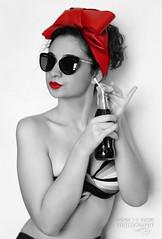 La chispa de la vida - Amparo García Iglesias (Amparo Garcia Iglesias) Tags: lauragarciagarcia modelo laura coca cola vida la chispa de verano refresco calor disfrutar red black blanco negro photos fotos amparo garcia iglesias