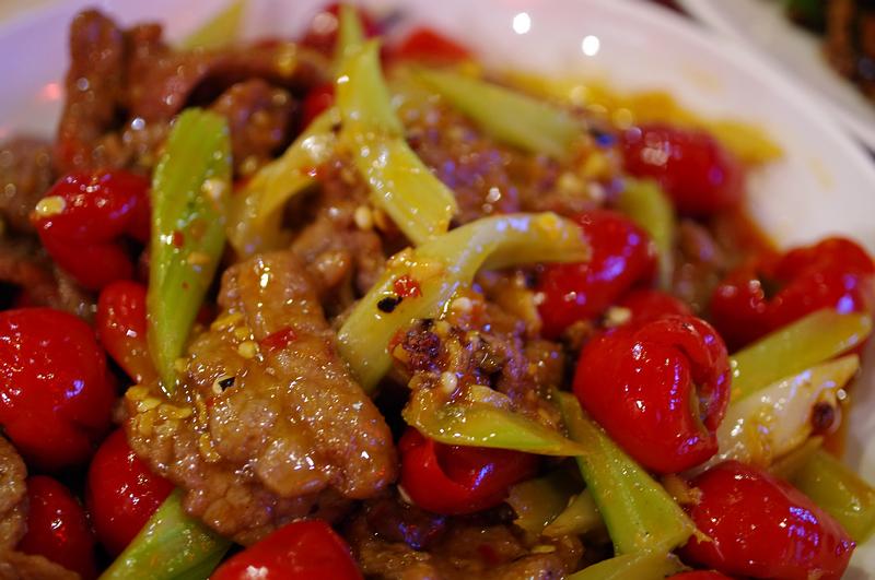 泡椒牛肉 - Beef fried with pickled chili