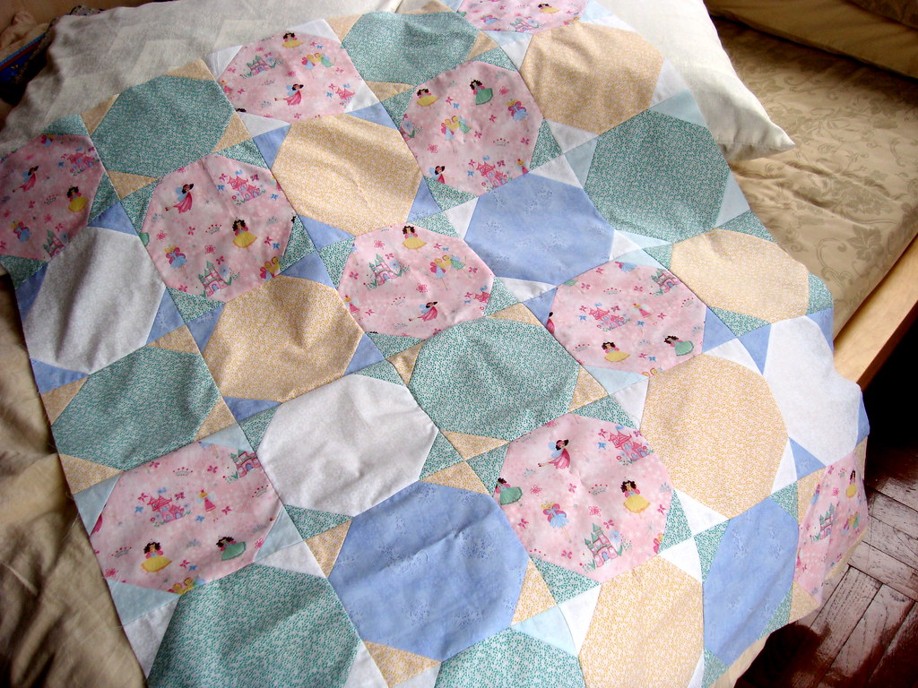 The snowball/jewel quilt top done!