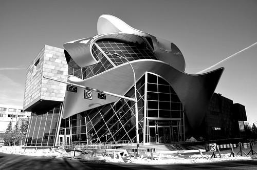 フリー画像|人工風景|建造物/建築物|美術館/博物館/図書館|モノクロ写真|カナダ風景|ArtGalleryofAlberta|フリー素材|