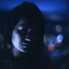 sotto voce (memetic) Tags: city portrait sky girl night lights bokeh suz explore tungsten frontpage rialto ept p6 pentaconsix 160t noritar