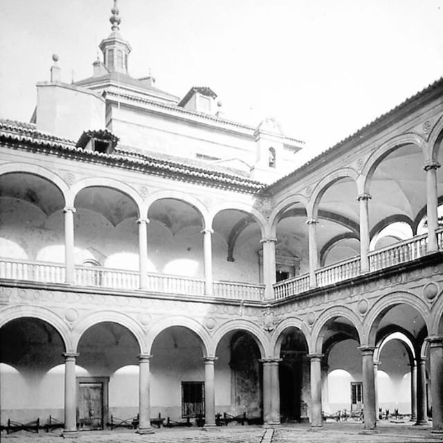 Hospital Tavera de Toledo a finales del siglo XIX. Fotografía de Alexander Lamont Henderson