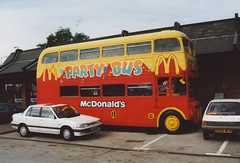 McDONALDS (BVM132B) BLACKPOOL 140801 (David Beardmore) Tags: mcdonalds routemaster parkroyal rm londontransport aec playbus nonpsv bvm132b 807dye rm1807