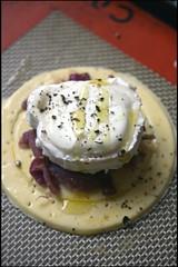 4303329092 c2fd217981 m Tartelettes au fromage de chèvre et oignons caramélisés   Tarte au brocoli et Roquefort