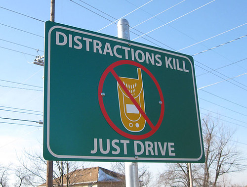 the issues with using cell phones while driving Ethics and technology home advancing, ethical issues of cell phone use have been ways to address the ethical use of cell phones while driving.