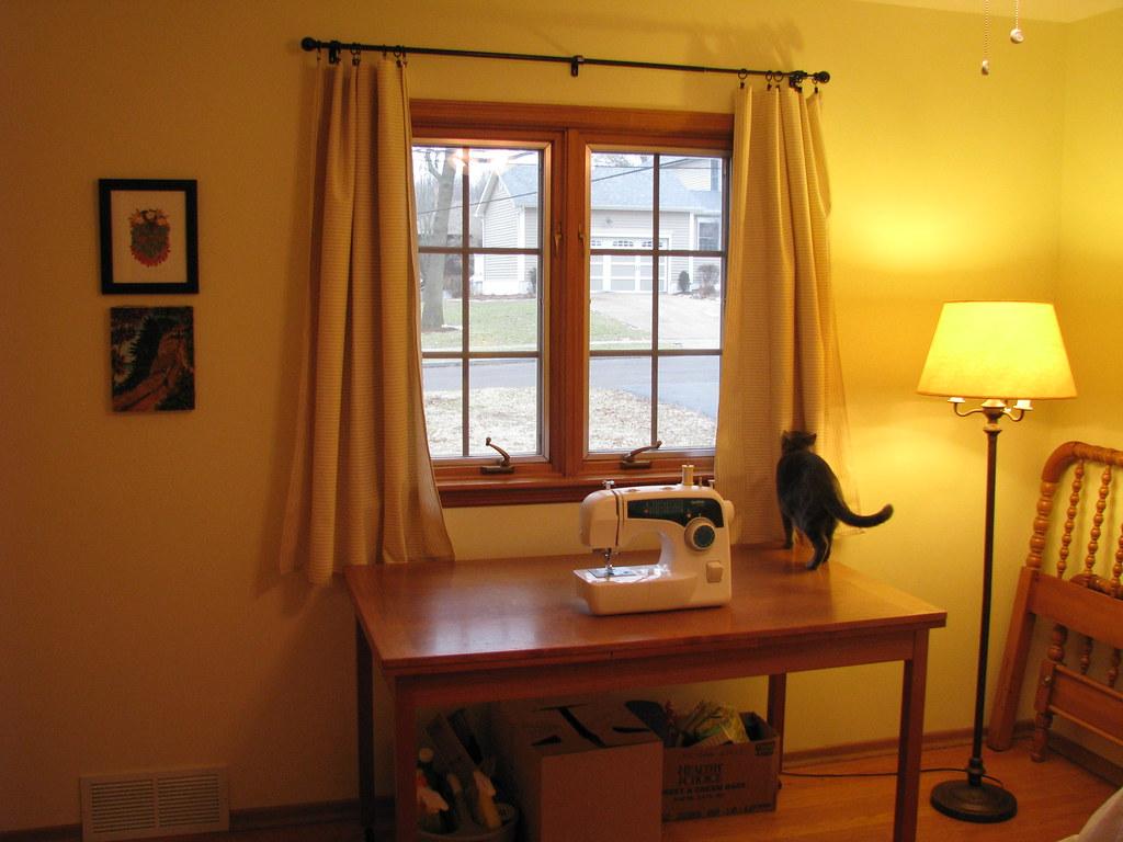 Back Bedroom/ Craft Room