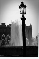Gocce d'acqua (Luana_58) Tags: acqua fontana bianco nero barcellona gocce spruzzi canon50d anawesomeshot goldstaraward