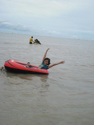 Nunik Berenang