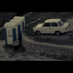 Cuando lo viejo y lo nuevo se encuentran (Zé.Valdi) Tags: new old car vintage d50 nikon communism bulgaria trabant socialism tarnovo bipolar eko toi confrontation veliko