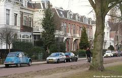 Citron 2CV 1974 & 1986 (XBXG) Tags: auto old france classic haarlem netherlands car vintage french 1974 automobile nederland citron voiture 2cv 1986 paysbas eend geit ancienne citron2cv franaise deuche