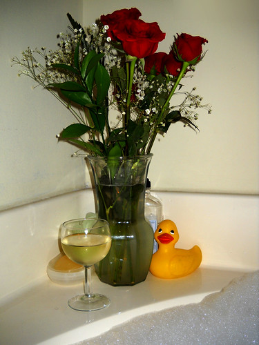 Red roses, wine and a bubble bath