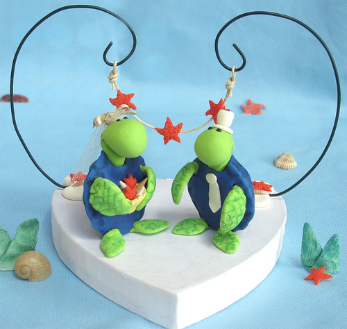 Custom original sea turtles wedding cake toppers with arc