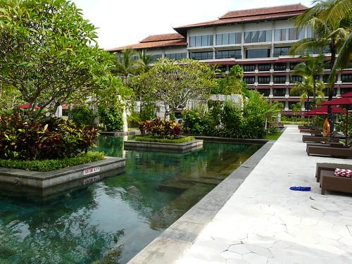 Sheraton Mustika Pool