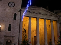 Tempi romani e medioevali (Starlightworld) Tags: tower church temple roman columns traces medieval ages assisi starlightworld