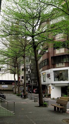 100317 捷運中山站旁的街景(一)