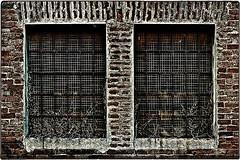 ... 220V6982 (*melkor*) Tags: art experiment conceptual minimal asylum insanity windows beyondwasfulloffools almostaprojectaboutinsanity twinswindows barredwindows geotagged architecture trashbit melkor